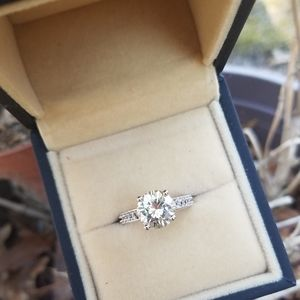 Jewelry - 4ct Colourless Moissanite Solitaire Silver 925